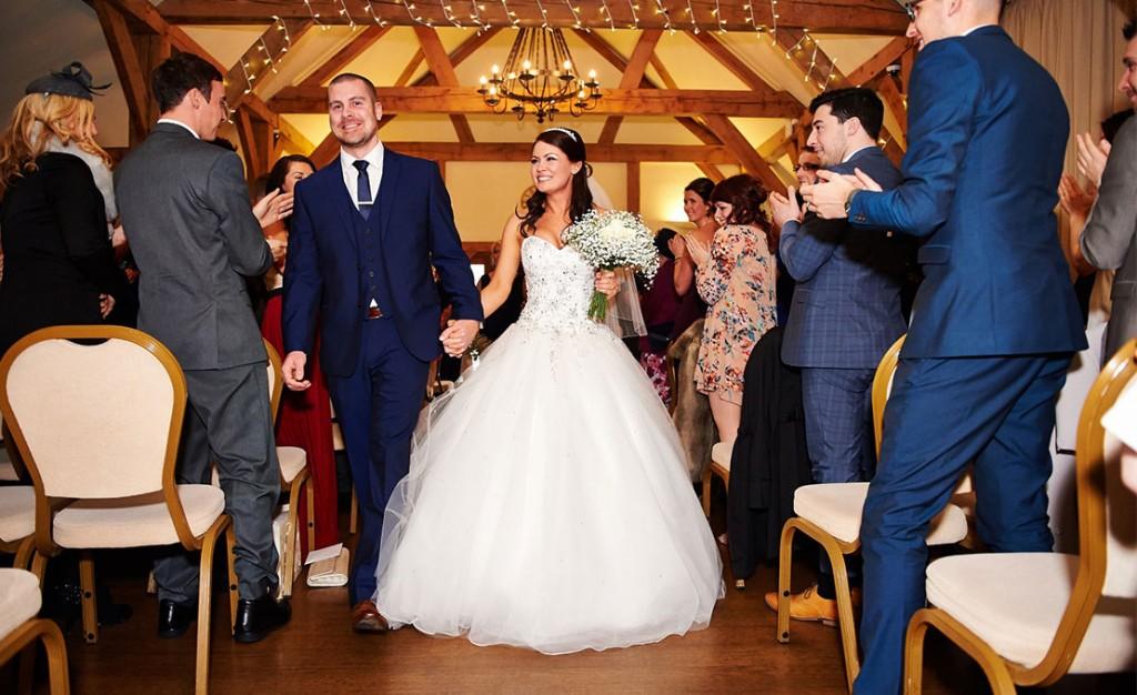 A Christmas Wedding.Sarah Dan S Christmas Wedding Sandhole Oak Barn