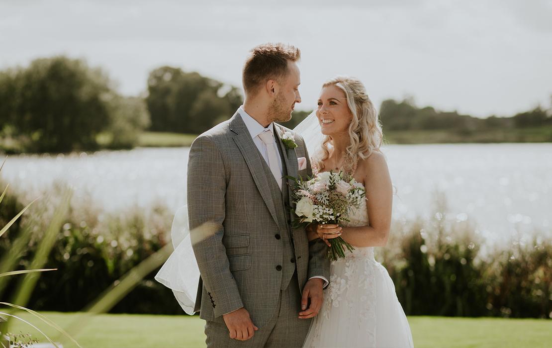 A Classic Late-Summer Wedding at Sandhole Oak Barn