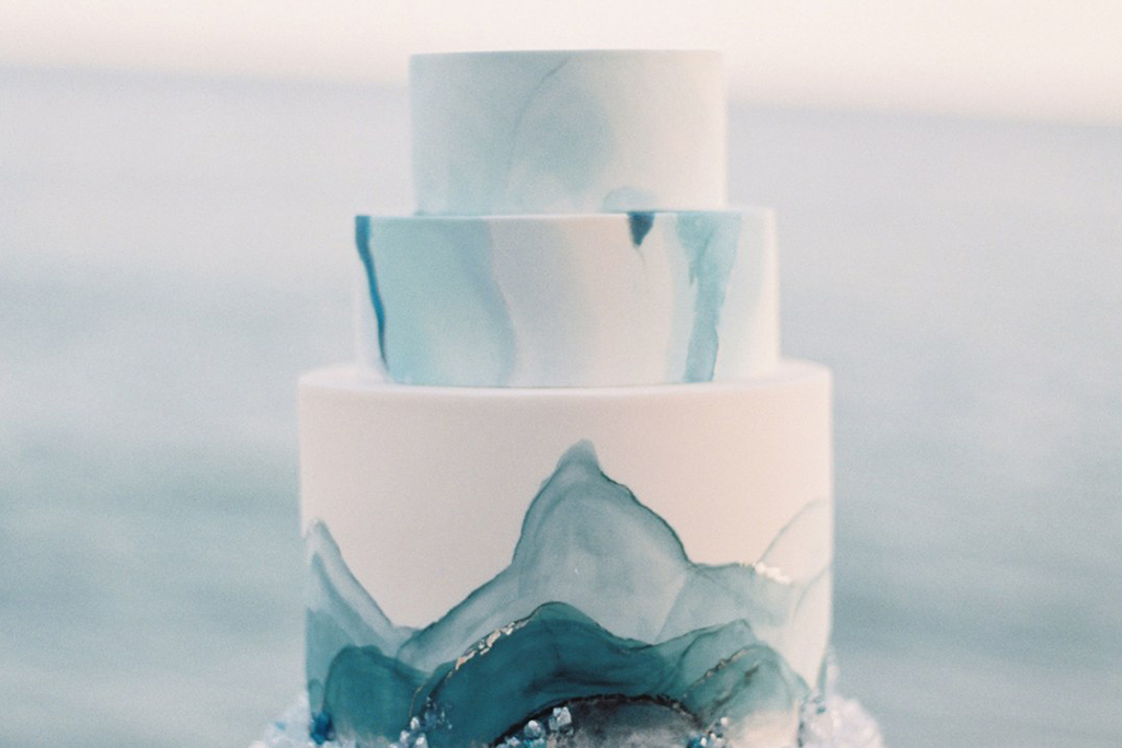 This wedding cake has wonderful marble effect and is perfect for wowing your wedding guests