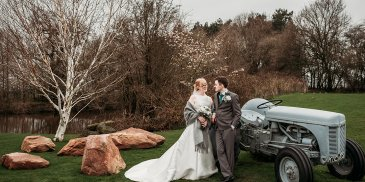 Siobahn and Chris' Springtime Celebration at Sandhole Oak Barn